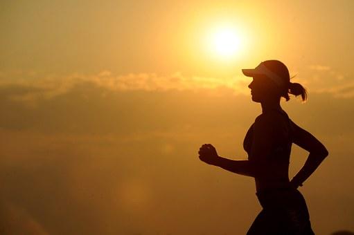 血糖値を下げるのは筋トレ?有酸素運動?